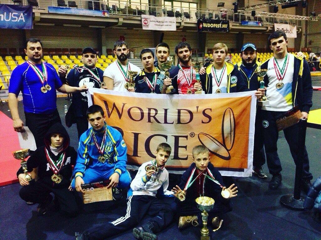 Бест Альтернатива спонсор членов сборной Украины по Панкратиону